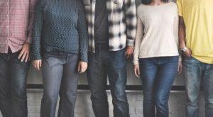 one on one mentoring vs peer group meetings